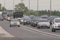 8 de cada 10 argentinos admiten conducir por la banquina