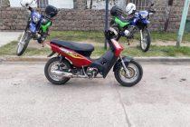 Detienen a joven circulando en moto robada