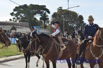 Sierras Bayas. El desfile del 25 de Mayo completo en Vídeo