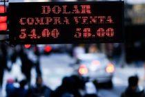 El dólar cerró a $58 y el Riesgo País roza los dos mil puntos