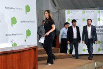 Vidal suma un bono para estatales a su paquete de contención post devaluación