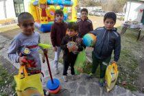 Policía Federal: La Sub-Delegacion local, agasajo a los niños de la escuela N° 25 ,Luciano Fortabat