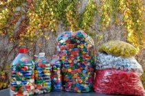 Estudiantes entregó 15 kilos de envases para el programa «ecosoñarte» el destino de las tapitas el hospital Garrahan