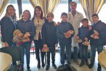 Estudiantes de Libertas y Cáneva visitaron Pediatría y entregaron regalos