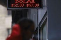 El dólar abrió con una leve alza, pero volvió a bajar y cerró a $57