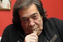 Se fue el artista con vicios de cantor: falleció Cacho Castaña