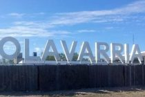 Un cartel con Letras gigantes da la bienvenida a Olavarría