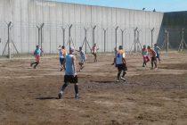 Fútbol y camaradería en la cárcel de Urdampilleta
