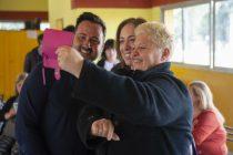 Vidal visitó chacabuco y dialogó con vecinos
