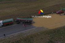 Camionero Olavarriense vuelca acoplado cargado de soja en ruta 51 cerca de Pringles