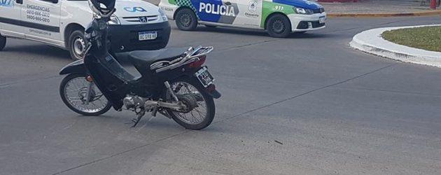 Accidente entre una moto y una camioneta