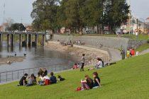 La calidad del agua del arroyo Tapalqué impide su uso recreativo