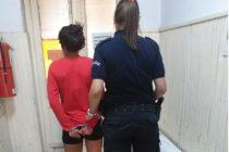 Detienen a una mujer por alterar el orden público