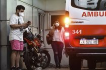 Una víctima sube a 90 los muertos por coronavirus en Argentina