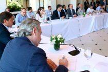 Kicillof, tras la reunión con el Presidente e intendentes: «La única vacuna que disponemos es evitar el contagio»