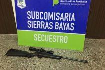 Allanan y secuestran un arma en Barrio Fonavi de  Sierras Bayas
