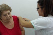 Vacunación antigripal a afiliados al PAMI en el Policonsultorio del CECO