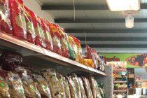 Se disponen espacios en los supermercados para que se depositen alimentos no perecederos.