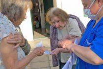 Este sábado continuó la vacunación antigripal casa por casa