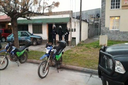 Allanamiento y detención por «robo agravado por el uso de armas de fuego»