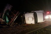 Un camionero oriundo de  nuestra ciudad volcó en cercanías de Bolívar