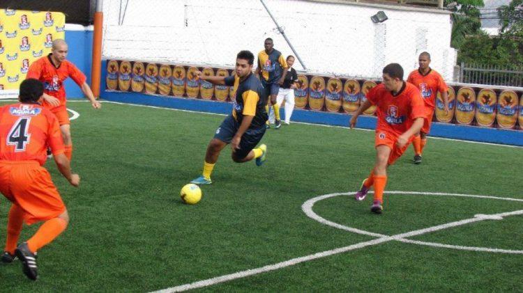vuelta del futbol 5