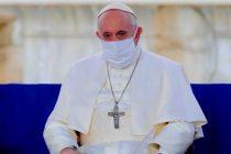 El papa Francisco ya fue vacunado en el Vaticano con la dosis de Pfizer