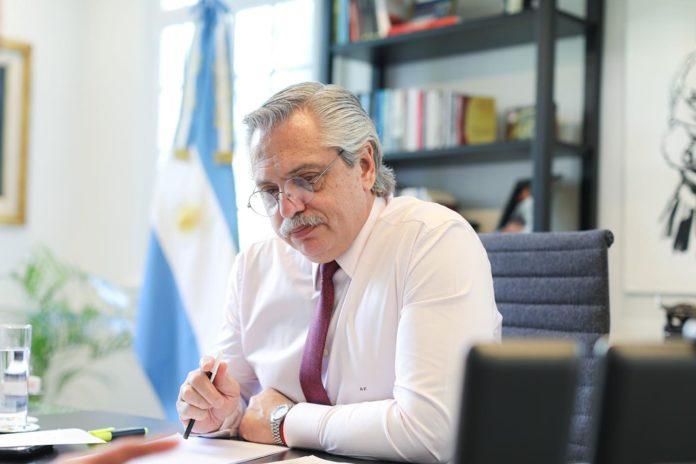 Fernández habilitó por decreto