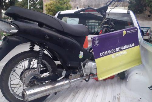 Secuestraron una moto abandonada en la vía pública con pedido de secuestro