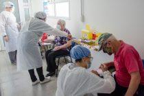 Continúa el plan provincial de vacunación contra el COVID y hoy se aplicaron 689 primeras dosis