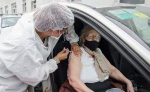 915 personas fueron vacunadas contra