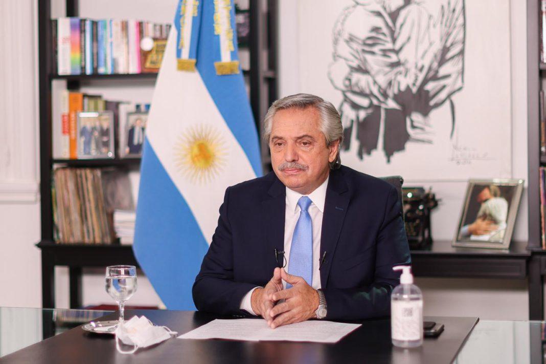 Alberto Fernández extendió las restricciones