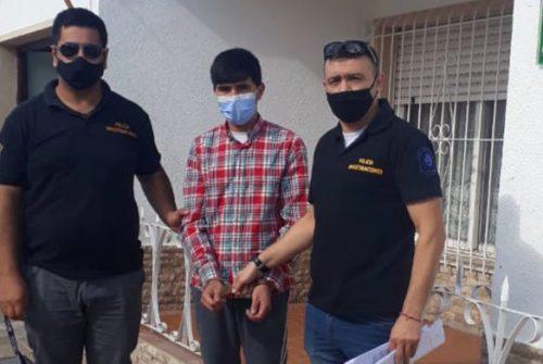 Un prófugo acusado de violación en España fue trasladado a Olavarría por Interpol.