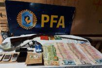 La policía federal Argentina detuvo a cuatro personas acusadas de narcomenudeo en Olavarría