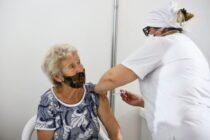 Vacuna libre: los mayores de 70 podrán ir a vacunarse sin necesidad de turno ni inscripción previos