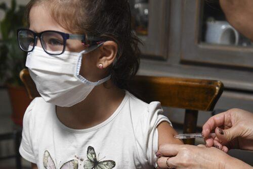 El Gobierno anunció la vacunación a adolescentes de 12 a 17 años con factores de riesgo