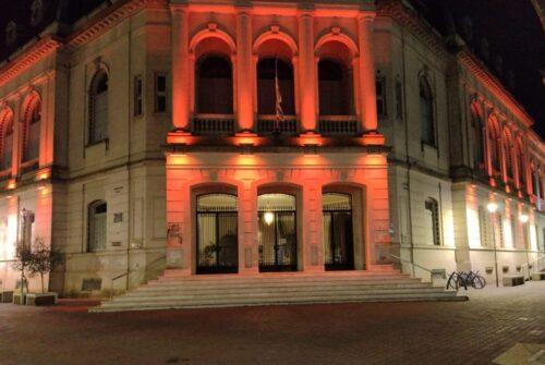 Olavarría se ilumina de naranja para visibilizar el TDAH