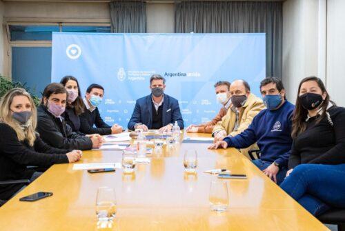 Wesner junto a Luciano Scattolini anunciaron la construcción de  162 viviendas para Olavarría